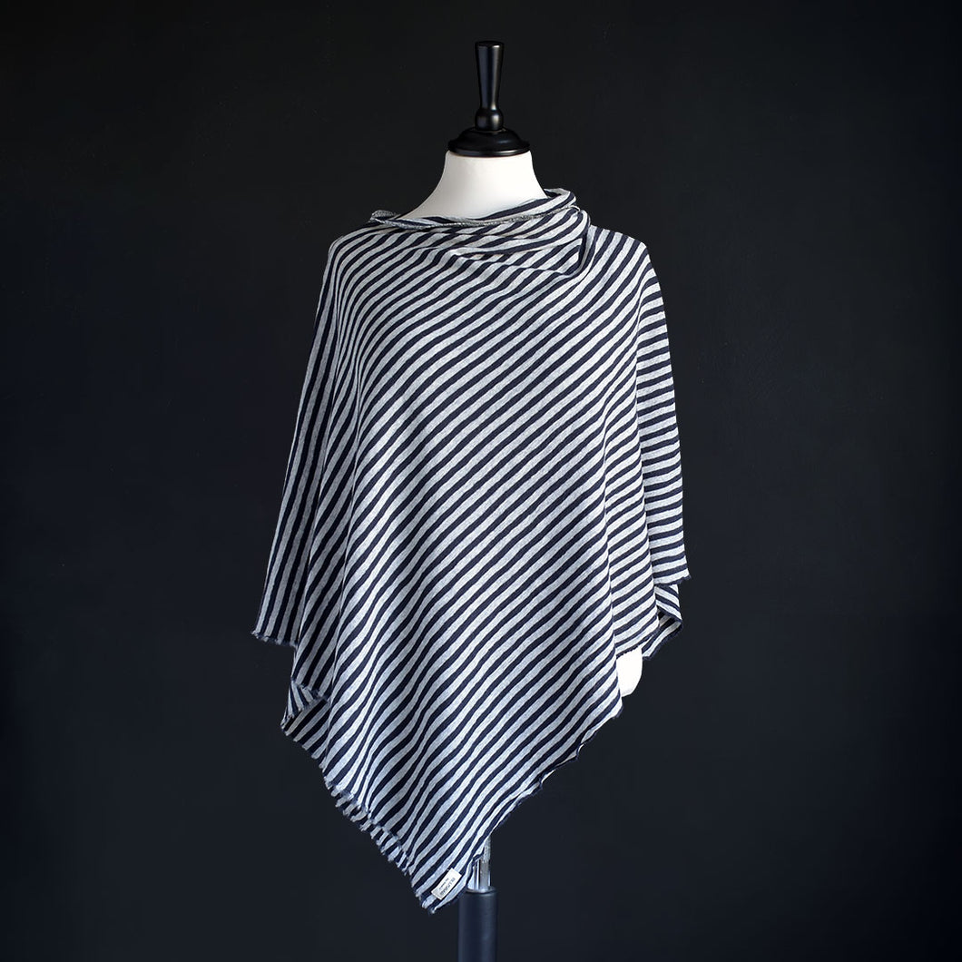 Poncho i merinoull, Dawn Grey & Charcoal