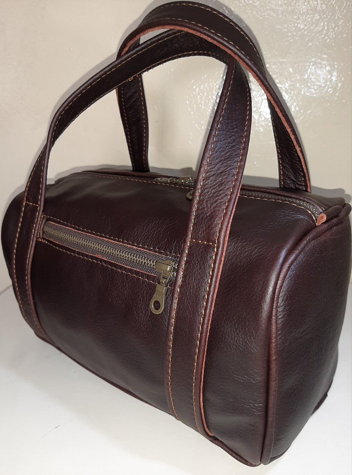 Alex Bathroom bag - cape Masai leather