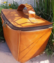 Load image into Gallery viewer, Kelly Bathroom bag - cape Masai leather