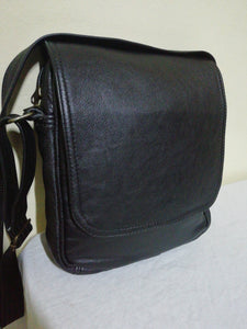 messenger bag with flap - cape Masai Leather