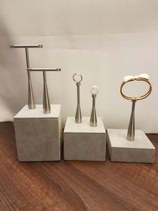 ST-E313 - POLISHED STEEL EARRING STAND-MAGNETIC