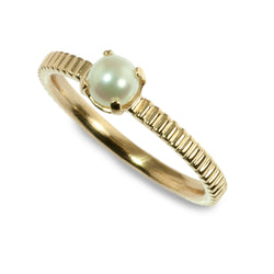 Cultured pearl coin edge stacking ring