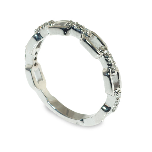 Long chain link diamond stacking ring