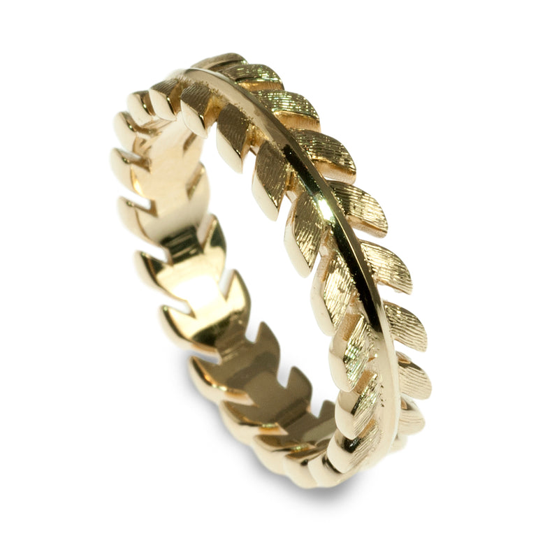 Cupids arrow band ring