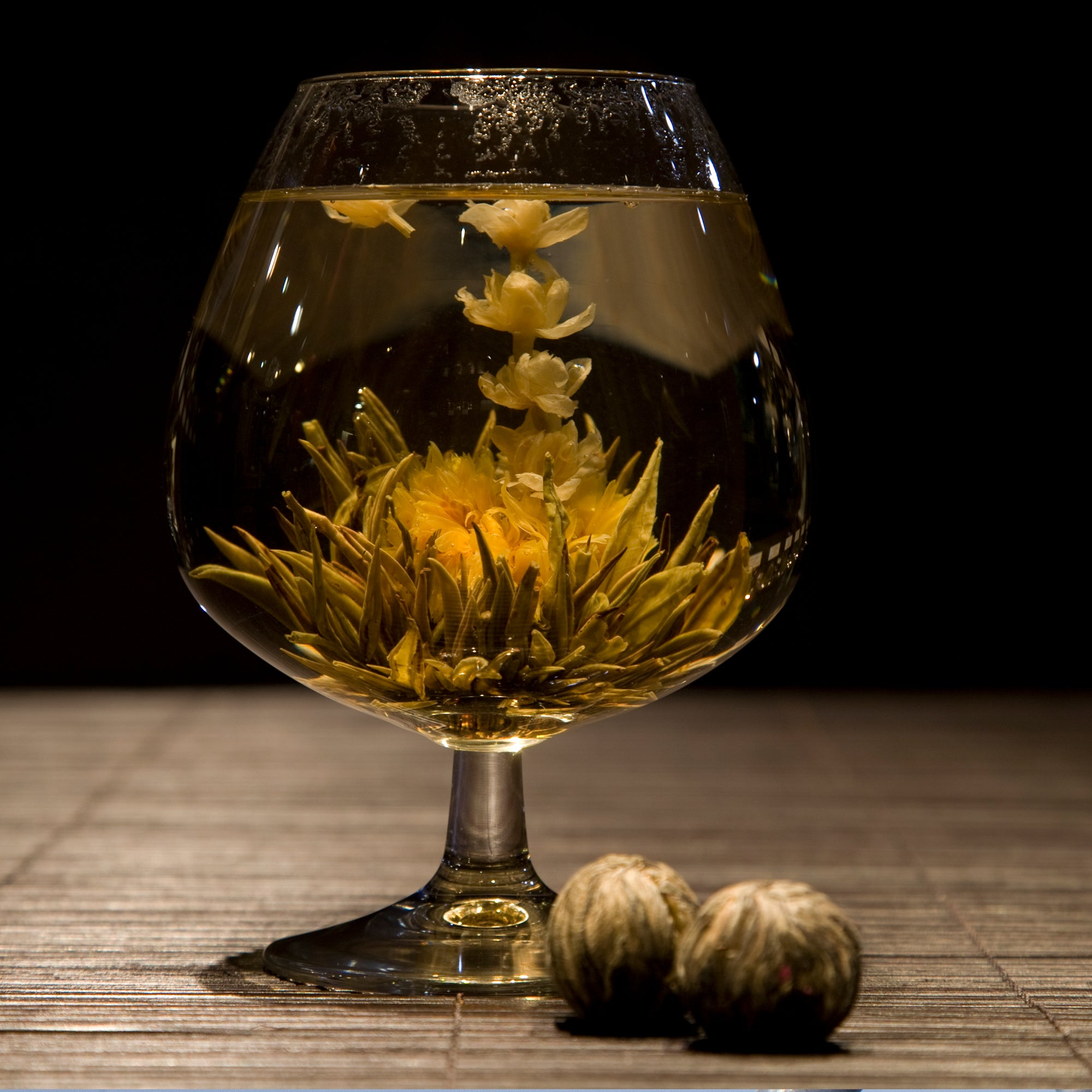 Hand-Tied Flowering Tea - Jasmine, Chrysanthmum and Green Tea