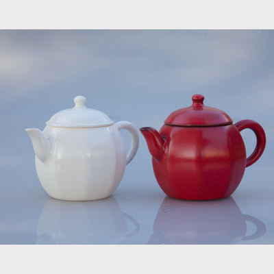 Hawthorn Berry Red Teapot (Nine Square) + 2 tea gifts