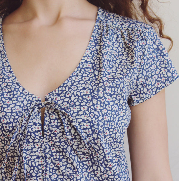 Lara blouse- blue flowers