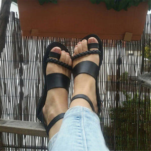 BUCKLE FLAT WITH THONG PLAIN WESTERN SANDALS
