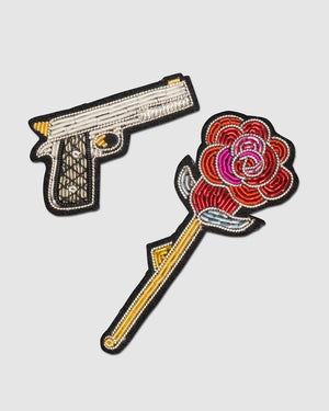 Macon&Lesquoy Stickbroschen Set of 2 Gun and Rose