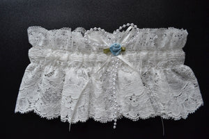 Luxurious Leivers Lace Garter