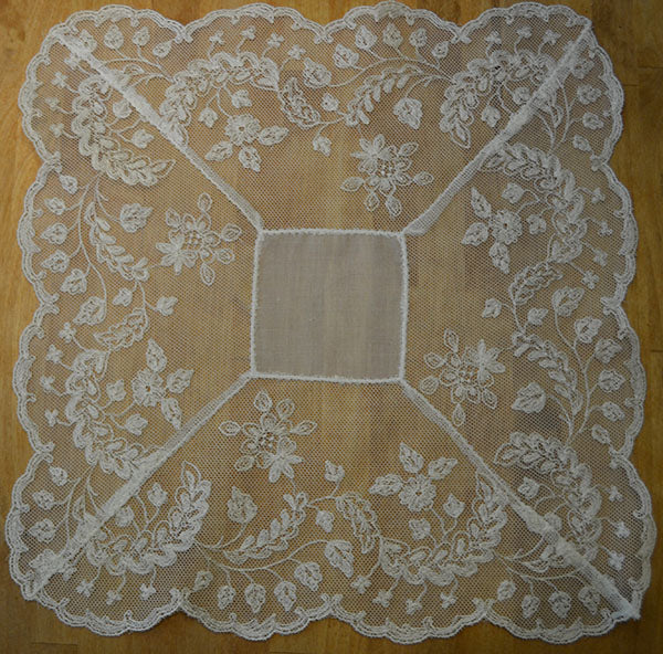 The Lace Lovers Handkerchief - HF404