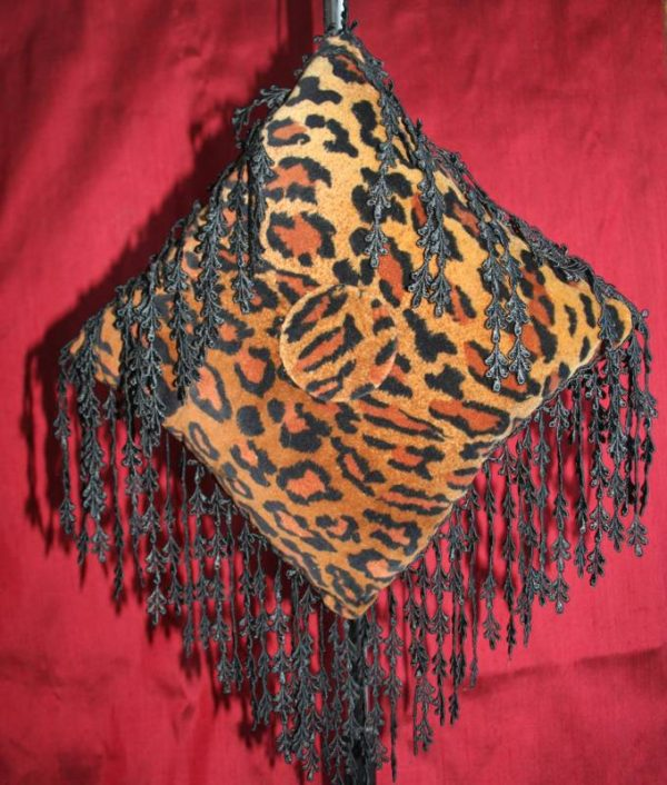 Square Velvet Leopardskin Cushion