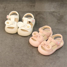 Load image into Gallery viewer, Closed Toe Leather Princess Toddler Sandals