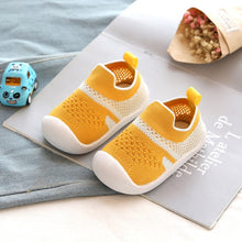 Load image into Gallery viewer, Comfortable Knitted Baby Mesh Shoes