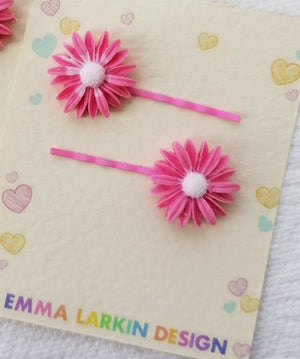 Pink & White Flower Hairclips