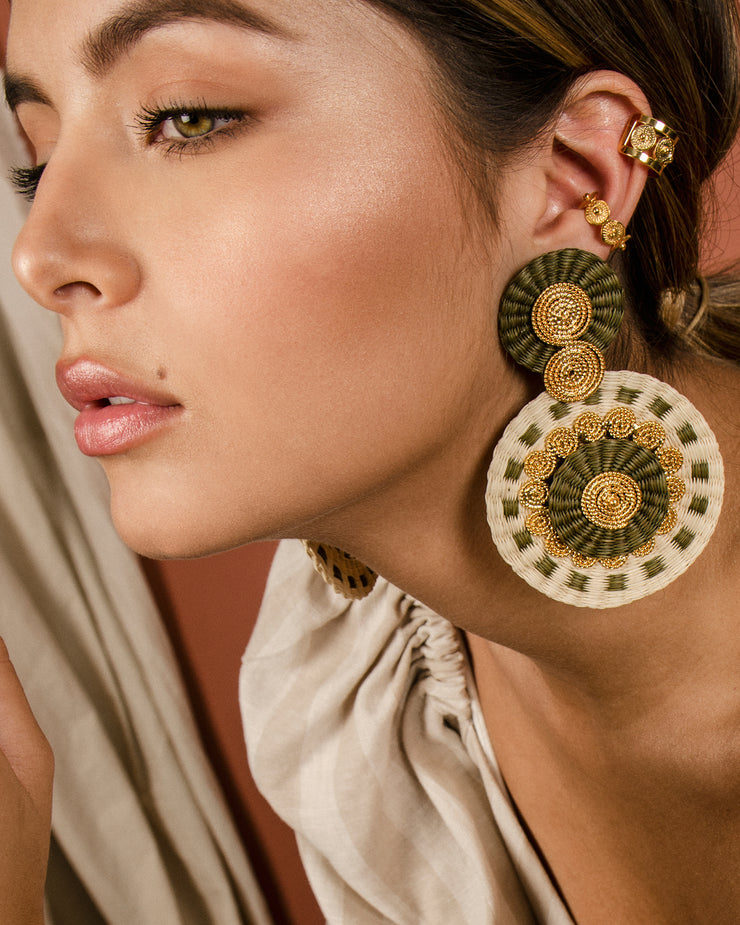Duo Beige Iraca Spiral Earrings