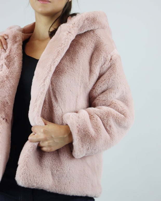 JAKKE | BLAIZ | DUSTY PINK HOODED FAUX FUR SHORT JACKET