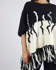 CARDAN CABOS | BLAIZ | Black & Cream Abstract Jumper Poncho