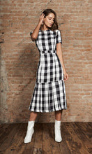 Load image into Gallery viewer, Gingham Midi Dress
