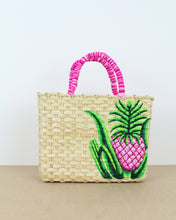 Load image into Gallery viewer, Medium Pineapple Straw Bag