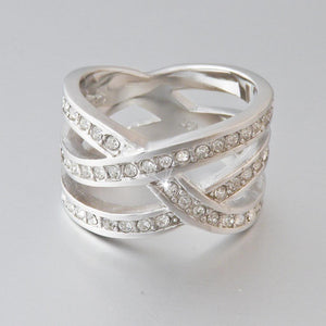 18ct White Gold Plated Ring with Swarovski Crystals