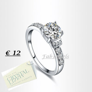 High Quality 18ct White Gold Plated Ring with Brilliant Swarovski Crystals