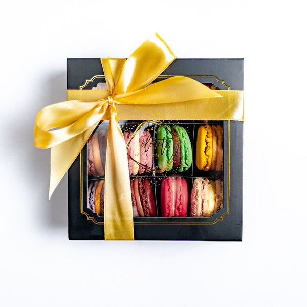 macaron-and-flower-gift-box