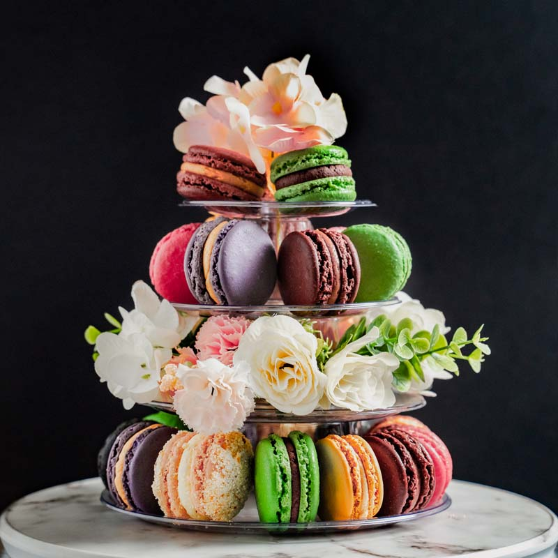 macaron-tower-with-flowers