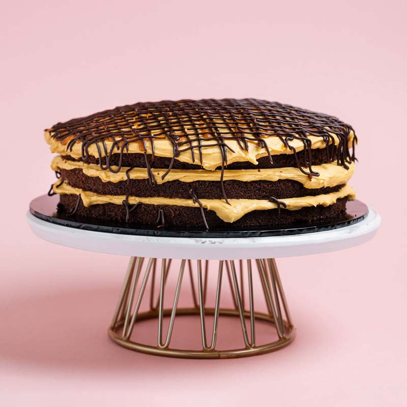 salted-caramel-chocolate-drizzle-cake