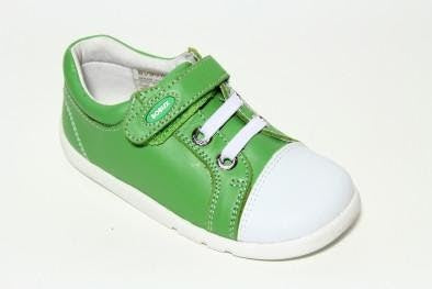 Step up Apple Scribble Shoe in green