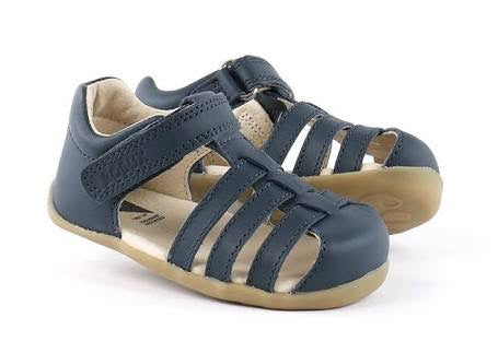 step-up-jump-sandal-in-navy