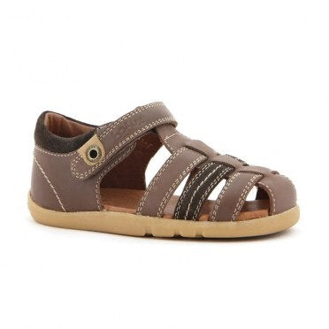 global-roamer-sandal-in-brown