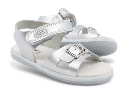simple-sandal-silver-in-silver