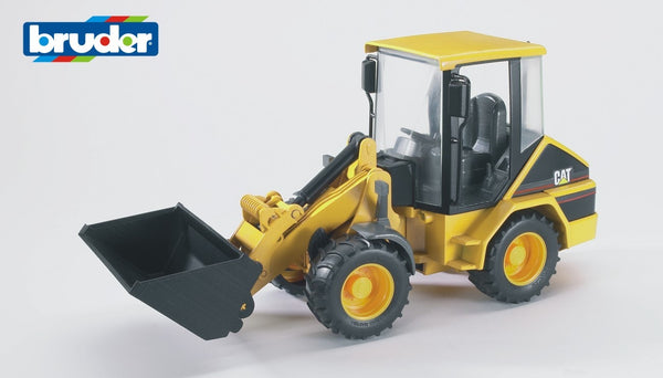 br1-16-caterpillar-compact-wheel-loader-in-yellow