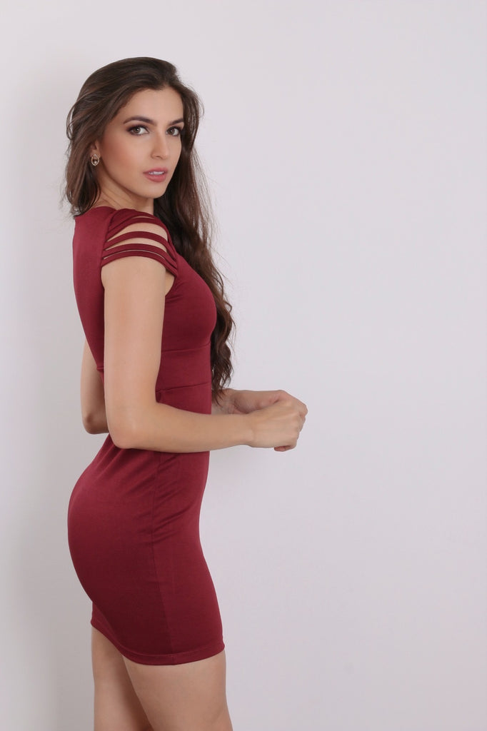 Gorgeous Sexy red dress with effect on the arms