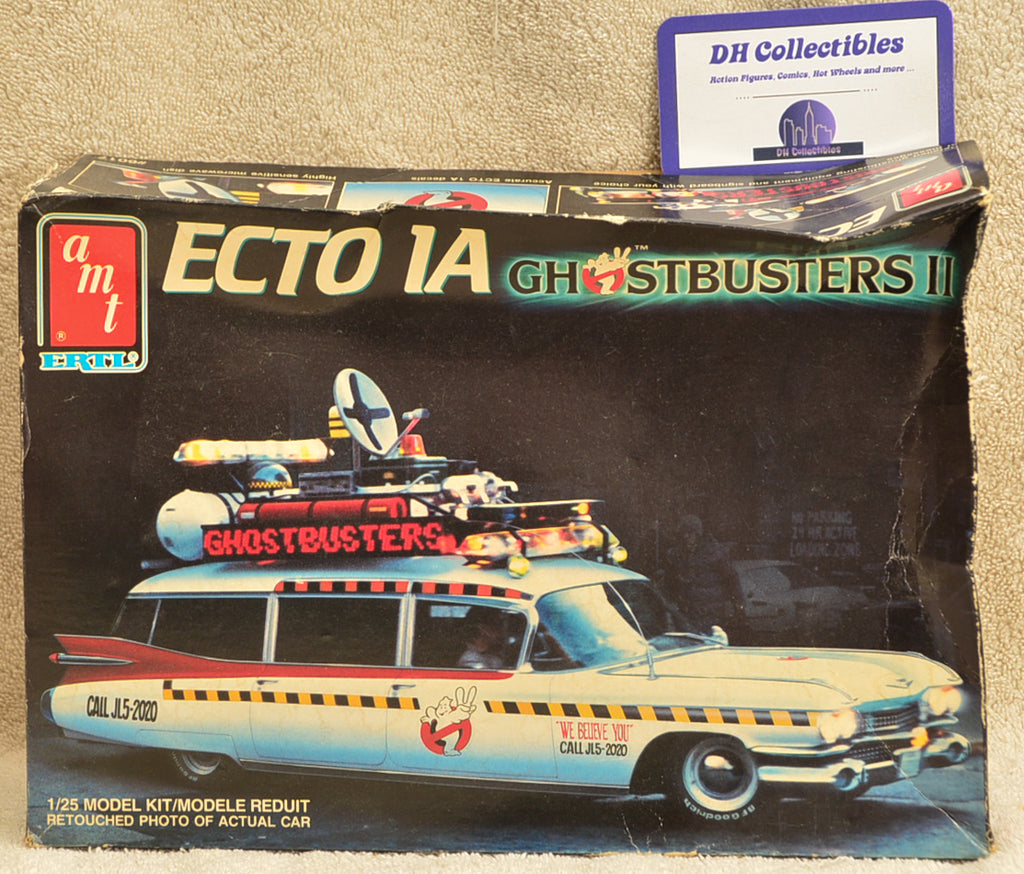 AMT / ERTL - 1970 1/2 - Ecto 1A Ghostbusters II - 1:25 Scale Model