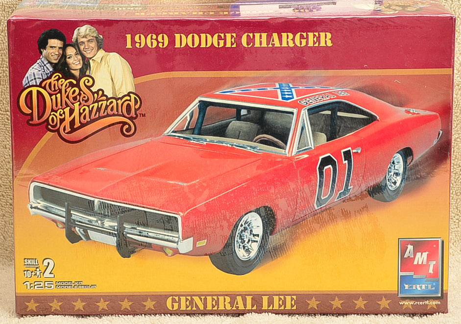 AMT ERTL Dukes of Hazzard Dodge Charger General Lee Plastic Model Kit 1:25 Scale