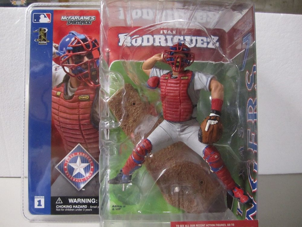2002 McFarlane MLB Sports Picks Series 1 Ivan Rodriguez Gray Jersey - Action Figure