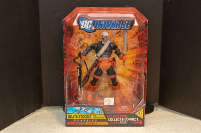 DC Universe Classics Wave 3 - Deathstroke Action Figure