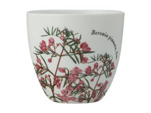 Load image into Gallery viewer, Maxwell & Williams Royal Botanic Garden Tealight Holder Boronia Gift Boxed - ZOES Kitchen