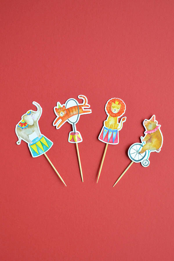 Cake Toppers Set with the animals of our circus collection