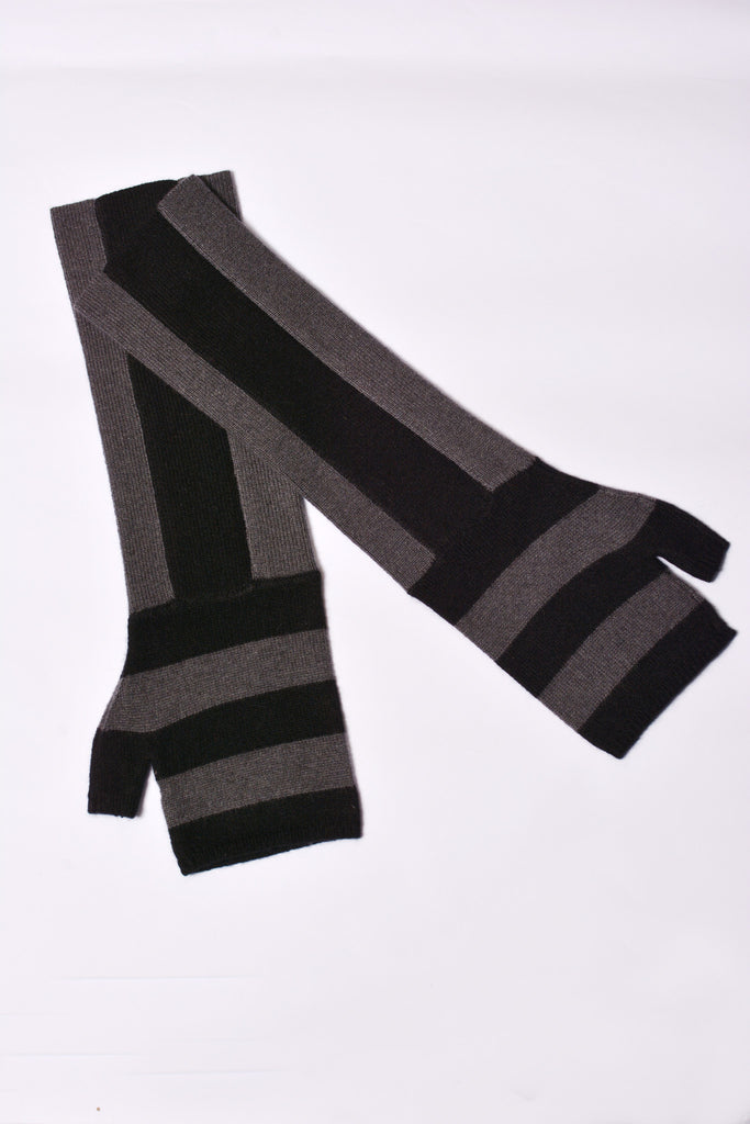 UNCONDITIONAL CASHMERE BLACK AND DARK GREY STRIPED LONG FINGERLESS GLOVE.