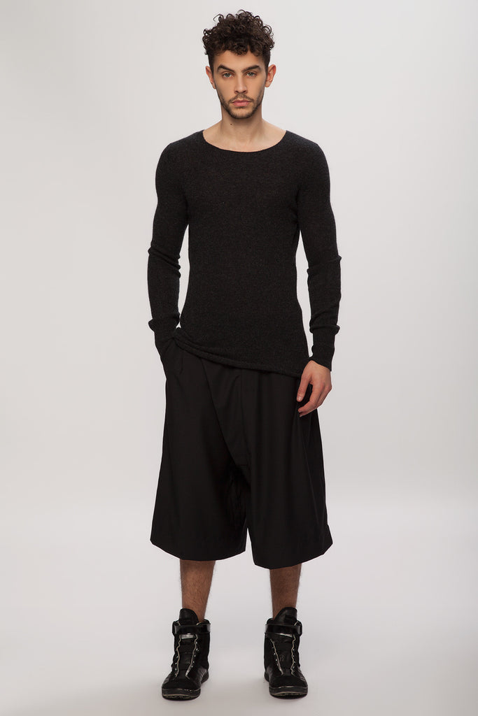 UNCONDITIONAL Midnight cashmere loose knit crew neck jumper with hem rib.