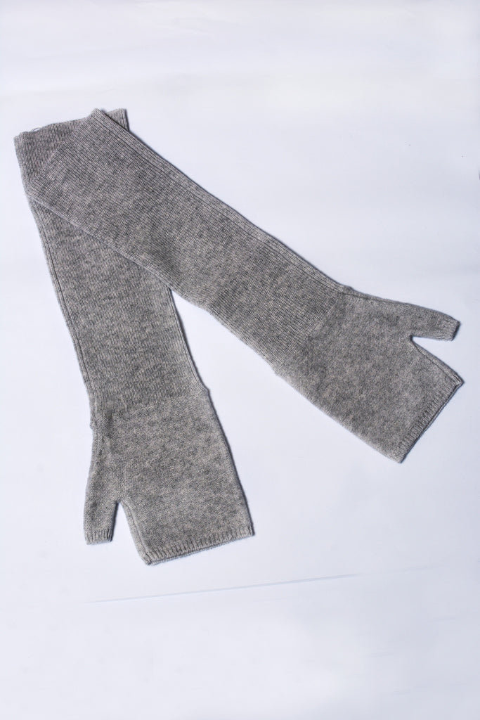 UNCONDITIONAL flannel long cashmere fingerless glove.