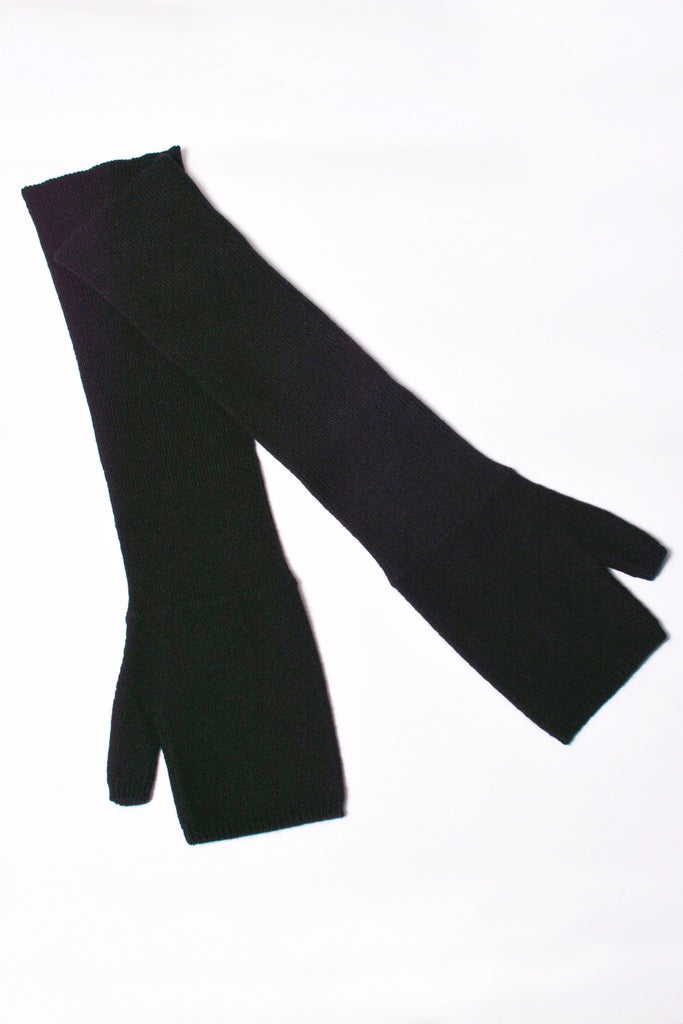 UNCONDITIONAL black long cashmere fingerless glove.