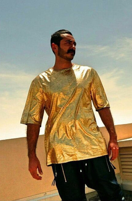 UNCONDITIONAL SS16 gold short sleeved oversized foiled tee.