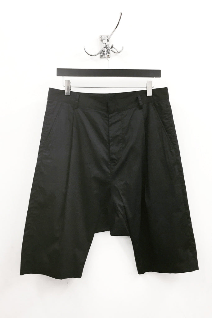 UNCONDITIONAL black light cotton tailored drop crotch short