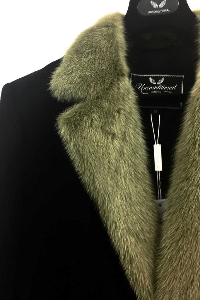 UNCONDITIONAL AW18 SINGLE BREASTED BF'S COAT WITH MILITARY MOSS COLLAR.