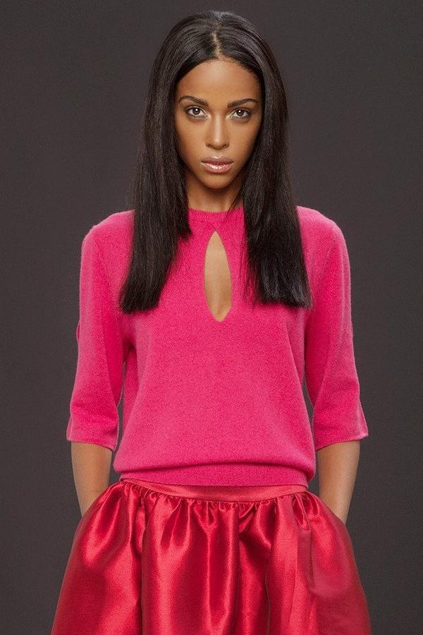 UNCONDITIONAL Stock pink grade A cashmere knitted short sleeved jumper with slashes.