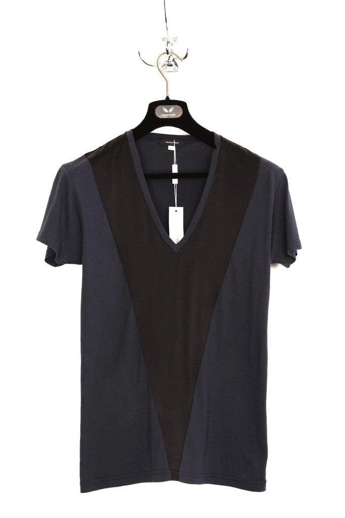UNCONDITIONAL Ink blue T-shirt with black silk V panel